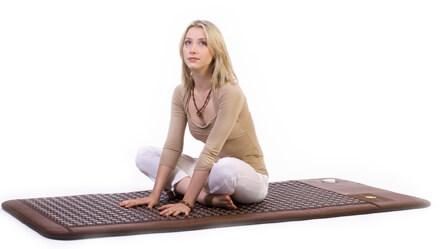 Сидеть на ковре